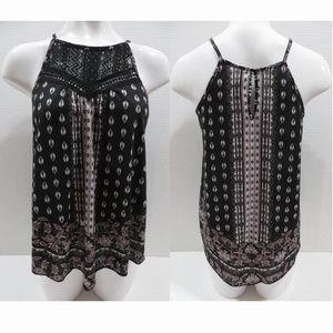 No Boundaries top Medium 7/9 sleeveless crochet